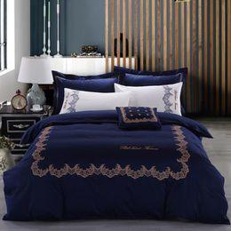 2019 cama 3d rosas verdes Elegante Azul Conjuntos de Cama Confortável Conjunto de 100% Algodão Tecido Capas de Edredão Capas de Fronha Folha de Cama Plana 4 Peça Suprimentos de Cama Frete Grátis