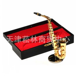 Wholesale Pure Gold Ornaments - Mini Musical Instruments Model Alto Sax Pure Copper Plating Home Furnishing Ornaments Christmas Gift Gold Tone Dolls Accessories 35sl G1