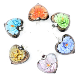 Wholesale Murano Love Heart Pendant - Charming Love Heart Shape Glass Pendants Flower Inner Murano Handmade Lampwork Glass Pendants 12pcs pack MC0060