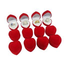 Deutschland Großhandel 24 Stücke Romantische Samt Geburtstag Verlobungsring Box Rote Herzförmige Valentinstag Ring Geschenk Box Samt Ring Box cheap wholesale heart shaped boxes Versorgung