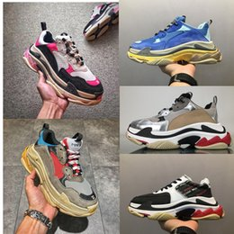 Wholesale Flat Shopping - (Two Boxes+Lace+Dust bag+Shopping Bag+invoice) Retro Triple S Men and Womens Running Shoes Mens Shoes Sports Boots Sneakers Man Sport Boots