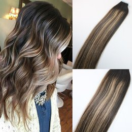Wholesale Highlight Hair Piece - 100gram Colored #2#3#27 Blonde Highlight Ombre Hair Balayage Skin Weft Seamless Brazilian Virgin Hair Extensions Tape in Hair Extensions