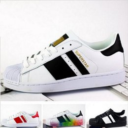 Wholesale Man Canvas Autumn - 2017 spring and Autumn fashion Men Women Original superstar super shoes golden Skateboarding shoes 36-44 free shipping
