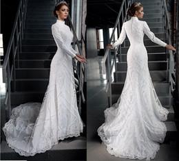 Wholesale White High Neck Modest Dress - Vintage Modest Muslim Wedding Dresses Applique Lace Arabian Dubai Wedding Gown Catholic Christian Bridal Dress Long Sleeve High Neck Buttons