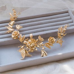 Wholesale Bridal Butterfly Headpieces - Wedding Bridal Headpiece Tiaras Headbands Euramerican Popular Rhinestone Gold Alloy Butterfly Handmade Head Jewelry Wedding Accessories Prom