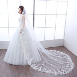 Wholesale Soft Lace Long Veils - Fabulous Long Bridal Veils Soft Tulle with Floral Lace 3M Ivory Wedding Veils with Comb Top Quality Wedding Accessories