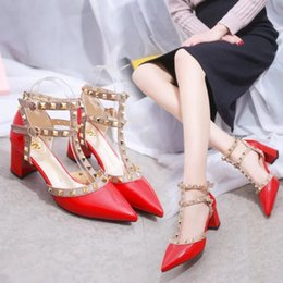 Wholesale Hand Made Shoes - Sexy fashion Hand-Made New Lady Fashion High-heeled Shoes Girl Pointed Toe Party Club Banquet Rivet Shoes Multicolor Shoes 4 Color