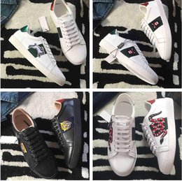 Wholesale Pink Fishing Box - Name Brand Original Box Embroidery Bear Fish Tiger Shoe Man Casual High Quality Leather Mixed Colors Animal Woman Cheap Sneaker Show Shoe