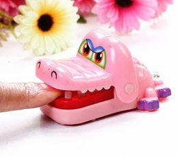 Wholesale Plastic Mouth Gag - Wholesale-1PC Creative Chidlren Kid Crocodile Mouth Dentist Bite Finger Game Funny Gags Toy Colors Random