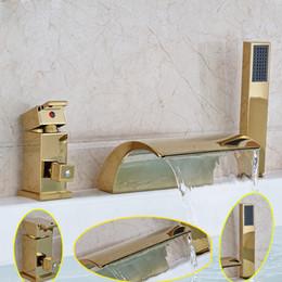 torneiras de banheira de montagem de convés Desconto Luxo Dourado Latão Cachoeira Banheira Mixer Torneira Da Plataforma de Montagem Difundida Banheira de Enchimento Da Banheira Único Lidar Com Handshower