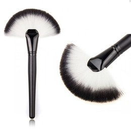 Wholesale Large Makeup Fan Brush - Wholesale-1 PC Pro Women Lady Large Fan Shape Soft Blush Face Powder Foundation Cosmetic Brushes Makeup Beauty Tools