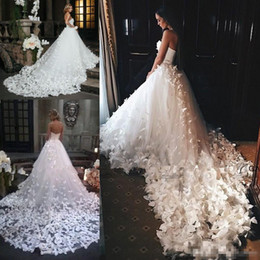 Wholesale Sexy Middle East Black Applique - Speranza Couture 2017 Princess Wedding Dresses with Flowers And Butterflies in Cathedral Train Arabic Middle East Church Garden Wedding Gown
