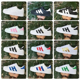Wholesale 2017 spring and Autumn fashion Men Women Original superstar super shoes golden size Skateboarding shoes Flat shoes