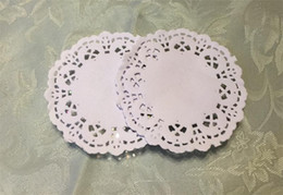 """white paper placemat Australia - Wholesale-Free Shipping Creative Craft 3.5"""" Inch Round White Paper Lace Doilies Cake Placemat Party Wedding Gift Decoration 100pcs pack"""