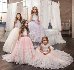 Wholesale Organza Vintage Flower Girl Dresses - Princess Girl's Pageant Dresses Vintage Arabic Flower Girl Dresses Beautiful Beaded Lace Appliqued Bows Pageant Gowns for Kids Wedding Party