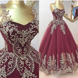 Wholesale Best Fashion Wear - Best Selling Gold Lace Appliques Evening Dresses Spaghetti Straps Burgundy Ball Gown Prom Dress Backless Evening Formal Gown