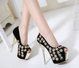 Wholesale Super Star Metal Women - New Arrival Hot Sale Peep Toe Fashion Super Knight Star Princess Summer Suede Sexy Metal Flowers Platform Noble Party Heel Sandals EU34-39