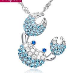 Saphir silber halskette online-925 Sterling Silber vergoldet Krabben Anhänger Halskette Saphir Charms übertrieben Halskette voller Kristall Anhänger hellblau Schmuck für Frauen