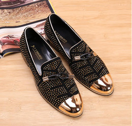 Wholesale Casual Tassel Loafers Men - 2017 NEW Fashion Casual Formal Shoes For Men Black Genuine Leather Tassel Men Wedding Shoes Gold Metallic Mens Studded Loafers AXX134