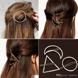 pinzas para el cabello plateadas Rebajas Punk Hollow Moon Triangle Barrettes Pinza de pelo Joyas Oro Plateado Anillo de labios Geometría Pinza de borde Pinza de cabello Accesorios para el cabello para mujeres