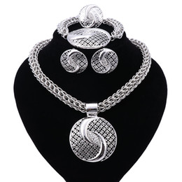 necklaces design dubai Coupons - New Exquisite Dubai Jewelry Set Luxury Silver Plated Big Nigerian Wedding African Beads Jewelry Set Costume New Design