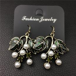 Wholesale Great Pearl Earring - Cute Great Brand Green Leaves Statement Dangle Drop Earrings for Women Unique Simulated Pearl Wedding Jewelry DE2087