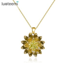 Wholesale Russian Gold Jewelry - LUOTEEMI Wholesale Russian Design Jewelry 18K Champagne Gold Plated Noble Olive Green CZ Flower Pendant Necklace