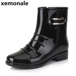 Wholesale Mid Calf Rain Boots - Wholesale- xemonale Man's Sequined Solid Mid-Calf Rain Boots Men High Quality Rubber Boots Men Slip On Waterproof Non-slip Footwear XJL44