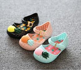 Wholesale Jelly Shoes Plastic Sandals - 2017 MINI FURADINHA VII pineapple fruit Hole MELISSA hole summer jelly Sandals Clogs Children's shoes Free shipping S001
