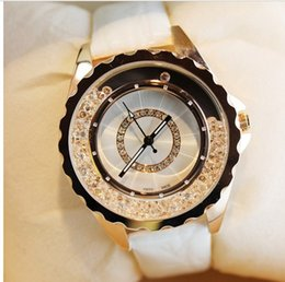 Wholesale Ladies White Leather Watch - new designer luxury brand leather strap women rhinestone watches women dress quartz diamond lady wristwatch