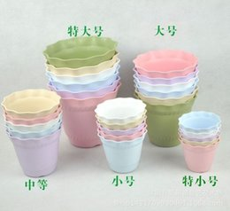 Wholesale Large Chinese Flower Pot - Multi Color Small Beautiful Plastic Nursery Flowerpots With Tray