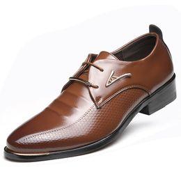 Wholesale Men Weddings Shoes Brown - Hot Sale Men Genuine Leather Casual Shoes Spring Autumn Men Lace-Up Business Dress Shoes British Man Retro Pointed Shoes Oxfords
