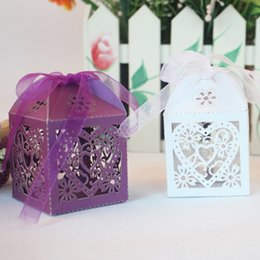 Wholesale Wholesale Box Heart Chocolate - Candy Boxes Wedding Favors Hollow Paper Love Heart Chocolate Box Gifts Favor Wrap Holders Party Bags Decorative Laser Cut Supplies