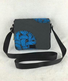 Wholesale Mens Black Briefcase - luxurious shoulder bag mens briefcase MESSENGER bag designer Cross Body Satchel women Mens Business handbag small pouch black PLAID purse