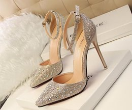 Wholesale Auger Pump - The new 2017 female sexy summer word buckle hollow out fine with pointed baotou set auger diamond ultra high heels