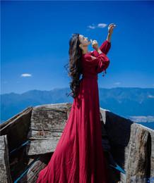 Arte popular vintage on-line-2017 New Retro arte linho V neck era fino vestido vermelho Magro manga longa elegante saia grande vestido de Férias estilo sexy vento folk dress