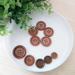 Wholesale Handmade Sweaters Children - 200Pcs Lot Various sizes 4 Holes Wooden Sewing Buttons Sweaters shirt clothing accessories Children handmade painting buttons DL_BU032