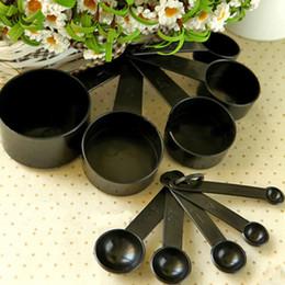 Wholesale Tea Cups For Baking - 10pcs lot Black Plastic Measuring Cups Measuring Spoon Kitchen Tools Measuring Set Tools For Baking Coffee Tea