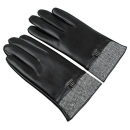 Wholesale Washable Leather Wholesale - Wholesale- 2016 men Fashion warm touch screen England tlyle driving faux fake washable leather PU autumn winter new belt gloves Mittens