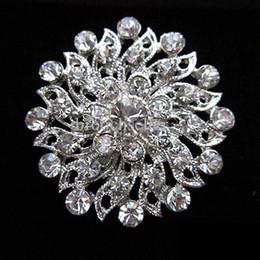 1.2 pulgadas hermoso color plateado Rhinestone claro Cristal Diamante pequeña flor vestido de boda Pin broche regalos desde fabricantes