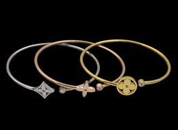 Wholesale Hollow Cuff Bangles - Stainless steel love Bangles Cuff Bracelets for women Gold Exaggerated Hollow flower Shape Alloy C openning Bangles Bijoux femme Gift
