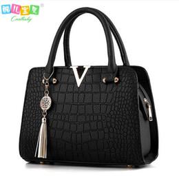 Wholesale Designer Cell Phone Pouch - Wholesale- Autumn winter Luxury Crocodile leather handbags Famous brands women designer messenger bags fringed shoulder bag women's pouch