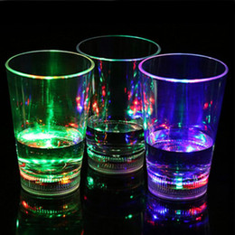 Wholesale Flash Shots - Water Activated Color Change Flash Light LED Light-Up blinking Rocks Plastic Barware Lamp Wine Whisky Shot Glass Cup For Bar Club