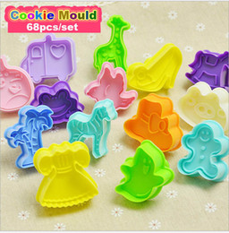 Wholesale Cookie Press Wholesale - 1set 68pcs Animal shape Cookie Cutter Biscuit Cutter Set Cookie Pull Press Mold Fondant Cake Decorating Christmas Cake Decorating Tool