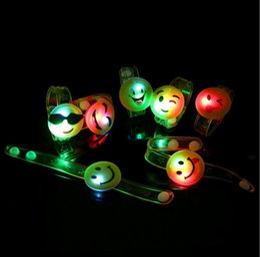 Wholesale smile light - LED Cartoon Light Up Emoji Wristband Led Flashing Smile Face Bracelet Bangle Event Party Glow Bangle Christmas Party Gifts OOA3583