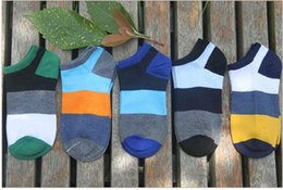 2017 hot new Respirant chaussettes Polyester coton déodorant transpiration absorption loisirs sports chaussettes hommes chaussettes ? partir de fabricateur