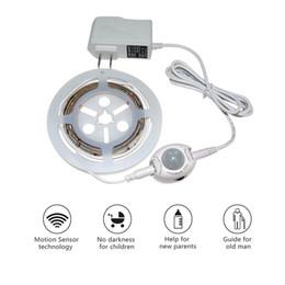 Umlight1688 Luz de cama activada por movimiento Tira de luz LED Suave Cálido Blanco Impermeable Automático Apagado Luz nocturna inteligente Sensor de movimiento desde fabricantes