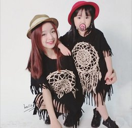 Бесплатная доставка девочек и матерей вязание платье семьи платье Alikes кружева 2017 новый летний цветочный мода с коротким рукавом blackTassels платье от