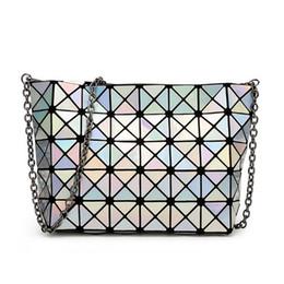 saco de vagão caqui Desconto Atacado-Design de marca Cadeias reflexivas Crossbody sacos para mulheres 5x8 tamanho moda pequena bolsa Senhoras Messenger Bags prata branca