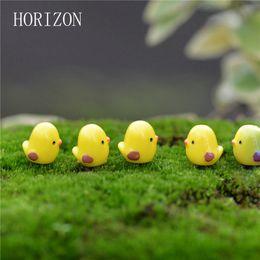 figurine miniature in miniatura Sconti Wholesale-5pcs / lot Miniature Fata Figurine Carino Mini Chick Giardino Miniature Micro Paesaggio artificiale FAI DA TE Resine Manualidades